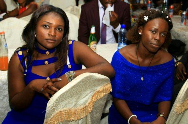 fête de mariage dans la salle était accompagné avec celine sharumba