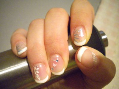 french blanche sur vrais ongles
