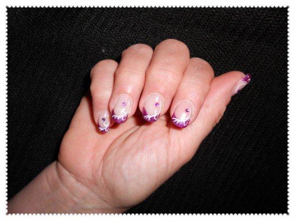 remplissage + pose de 3 capsules sur ongles cassés