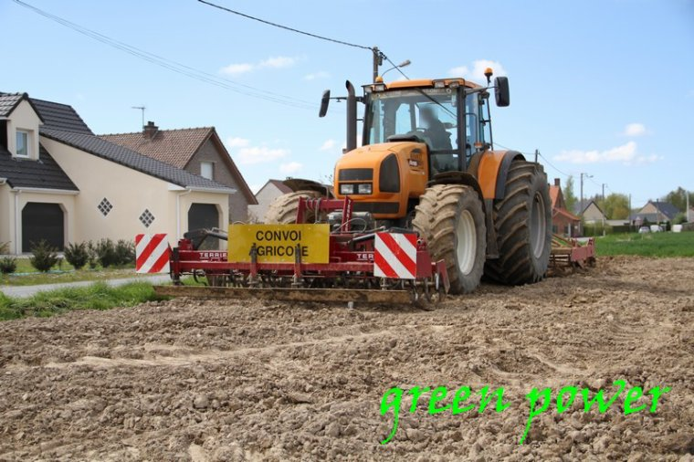 plantattion de patates 2016 chantier 10