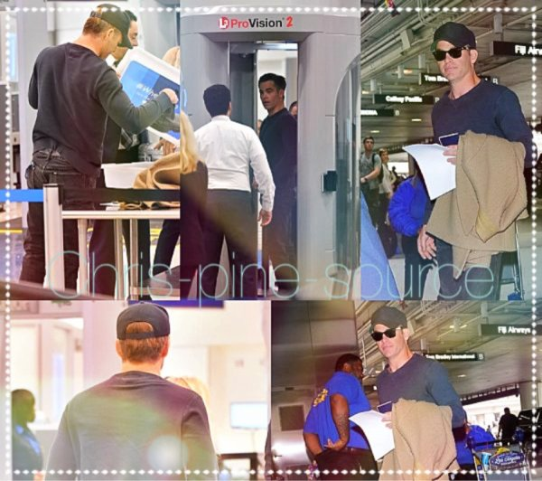 → Chris le 21 Mars ▬ A l'aéroport de LAX à Los Angeles  ←