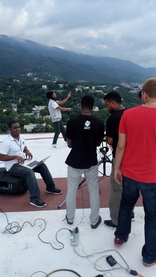 """Photo de tournage du clip """"Mé Kité'y Alé"""" titre extrait du nouvel album de Medhy Custos """"ADN"""""""