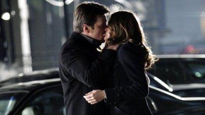 KISS BETWEEN KATE AND RICK  $)