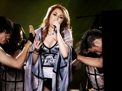 May 4, 2011 Miley Cyrus's Gypsy Heart Concert Chile, Estadio Nacional 30pics