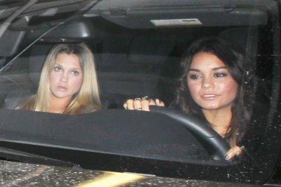 May 11 2011 Vanessa Hudgens Leaving trousdale nightclub in west Hollywood 7Pics