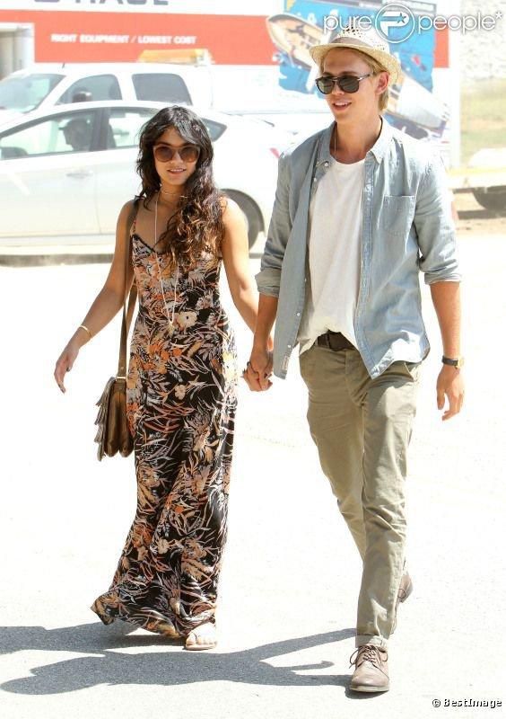 Vanessa Hudgens et son petit ami Austin Butler à la fête de la Renaissance de Los Angeles, le...