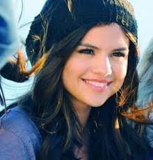 Selena<3
