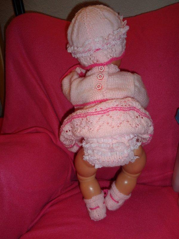 petit ensemble pour poupée ancienne