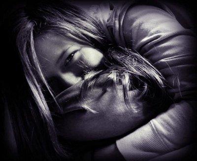 Il y aura toujours des musiques qui nous rappellent quelqu'un, des corps qui s'unissent, des amitiés plus fortes que tout, des amours éternels, des lèvres qui brûlent, des souvenirs étincelants même avec le temps, des moments plus beaux que dans un rêve, des sourires magiques, des larmes de joie, des coeurs qui s'emballent, des coeurs déchirés, des larmes de peine, des mains qui se cherchent, des rêves oubliés, des promesses envolées, des questions sans réponses, des amitiés gâchées, des souvenirs douloureux, des regards qui veulent tout dire...