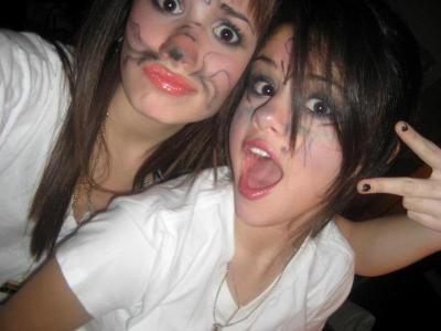 Photo,montage de Selena gomez et Demi lovato