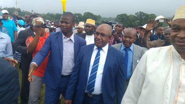 COMMUNIQUE DE PRESSE des partis et des personnalités qui soutiennent Monsieur AZALI