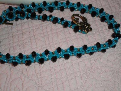 je peux vous montrez mon ECRO, puisque PENCIO va le mettre aussi sur son blog...je la remercie pour sa création, je prends beaucoup de plaisir à chaque fois pour réaliser ses bijoux....