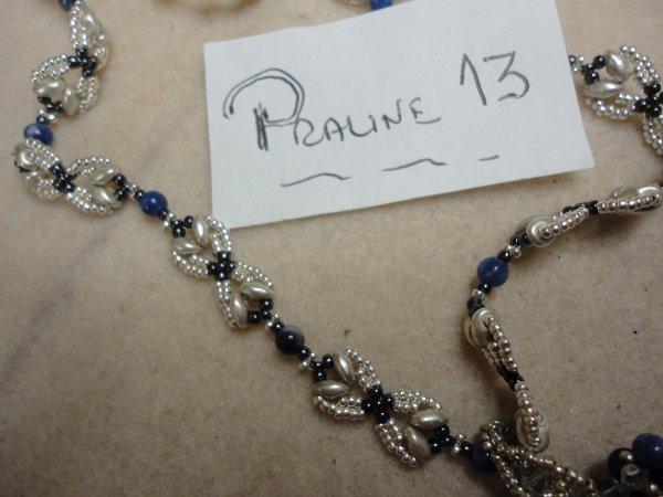 pour mettre en valeur ma tortue, voici une chainette de CYNTHIA NEWCOMER DANIEL la SUPER DUO CHAIN...très agréable à réaliser...toujours en bleue...avec des perles en lapis lazulis