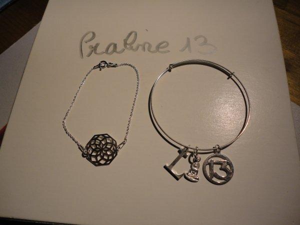 tout d'abord 2 bracelets, que j'ai monté en argent 925ème, offert à 2 amies qui me sont très chères