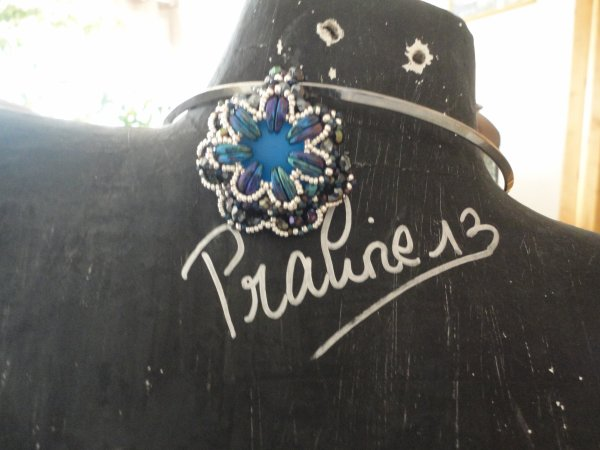 Un collier d'ELLAD2 le OZZY, que j'ai réalisé en pendentif...