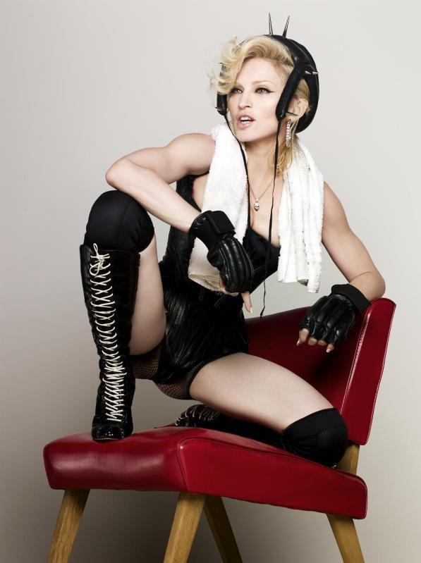 Madonna en Russie  $)