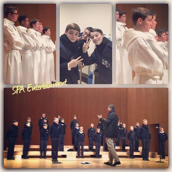 Les Petits Chanteurs à la Croix de Bois - Concert à Suwon  SK  Artrium  - Corée du sud  le 8 Décembre 2015