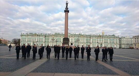 Visite des Petits Chanteurs à la Croix de Bois au Musée du l'Hermitage en Russie