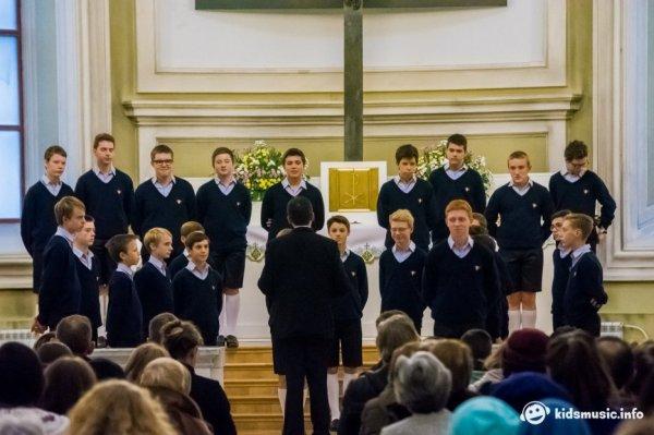 Les Petits Chanteurs à la Croix de Bois  sont bien rentrés aujourd'hui de leur tournée en Russie.