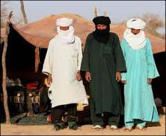 le Sirwal koundrissi, le turban et le Derâa