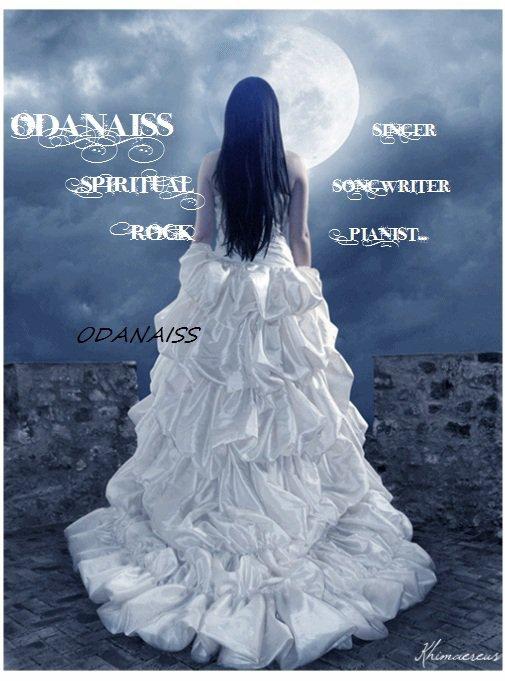 ODANAISS artiste auteure compositrice chanteuse et pianiste