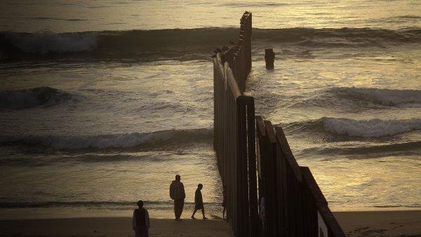 Les murs de la honte ...