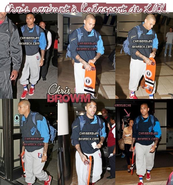 ▬ CANDIDS : Chris à l'aéroport.