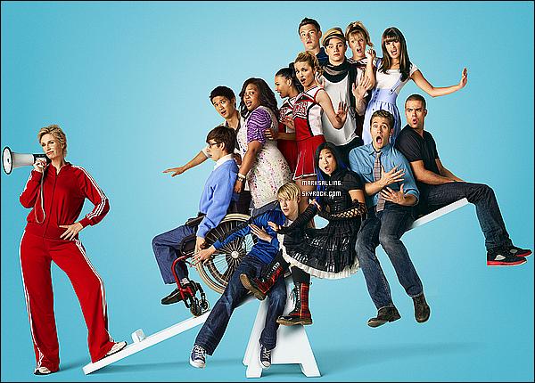 La chaîne américaine FOX nous diffuse une nouvelle photo promotionnelle du cast de Glee. Tu aimes ?