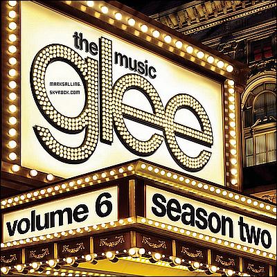 """Voici le casting dévoilé de """"The Glee Project"""", l'émission qui permettra à l'une des personnes (voir photo ci-dessous) d'avoir la chance d'apparaître dans la saison trois de la série à succès GLEE !        En effet, le 12 juin prochain débarquera une nouvelle émission intitulé """"The Glee Project"""" sur la chaine câblée Oxygen . Ceci est un show de plusieurs épisodes qui visera à repérer un talent. Le gagnant aura la chance de faire une apparition dans la saison trois de la série. Les producteurs ont d'ailleurs déja signalé que le gagnant pourrait être le """"love interest"""" de Mercedes. Il y a 12 candidats finalistes (ceux représenter sur la photo) qui ont été selectionnés grâce à des vidéos sur internet et des castings. Il y aura bien sur un un jury de trois personnes  , Ryan Murphy (le créateur de la série), Robert Ulrich (le directeur de casting) et Zach Woodlee (producteur et chorégraphe)."""