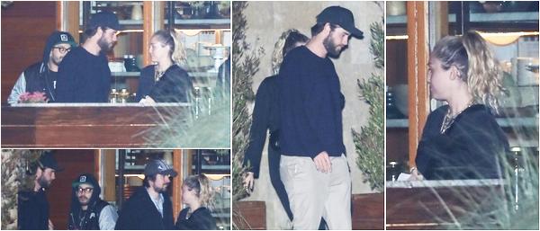 26.05.2018 : Miley  avec son chéri Liam est sorti du restaurant Soho House, puis a quitté une épicerie