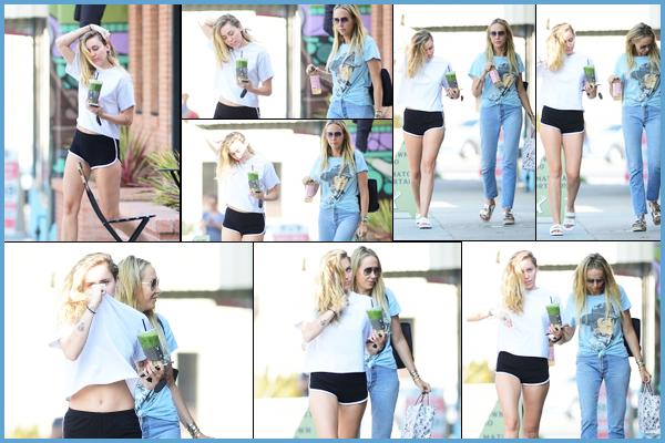 27.07.2018 : Première sortie du mois de Juillet pour Miley Cyrus qui a été vu avec sa mère Tish à Los Angeles