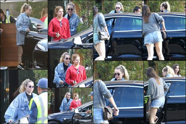 30.09.2018 : Miley Cyrus qui est enfin de sortie a été aperçue quittant Soho House dans la ville de Malibu