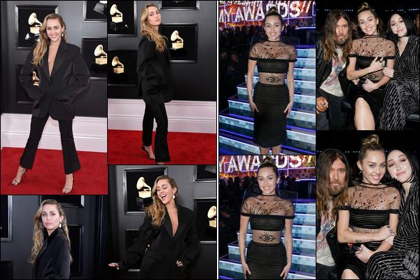 10.02.2019 : Miley Cyrus , souriante était présente à la cérémonie des « Grammy Awards » à Los Angeles. Miley Cyrus était avec sa soeur Noah Cyrus ainsi que son père Billy Ray Cyrus , Elle aime beaucoup les tenues noires en ce moment !