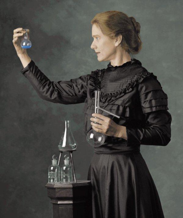 Hommage à  Marie Curie   (1867-1934)