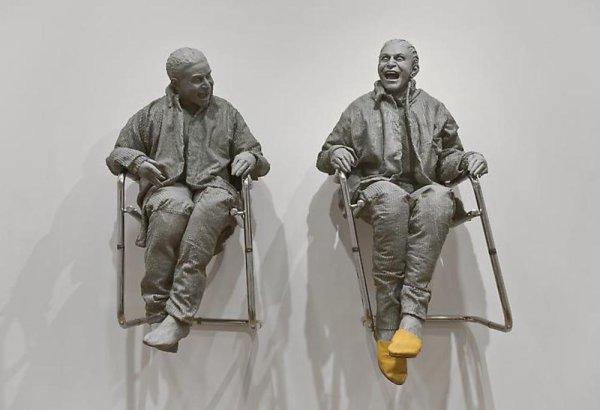 Démarrez la journée dans la bonne humeur avec Juan Muñoz (1953 - 2001) Sculpteur espagnol