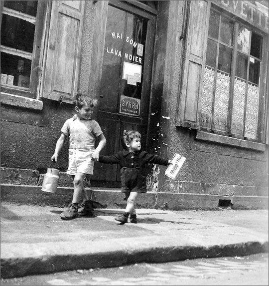 Hommage à Robert Doisneau    né le 14 avril 1912   (1912-1994)