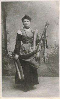Un peu de poésie avec Louis  Marsolleau  (1864-1935)  Poète et auteur dramatique français  -  la porteuse de pain