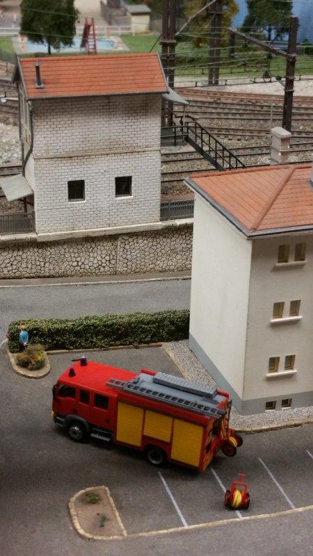 2 des camions de pompiers du CS de Coutras reproduits par un membre du club