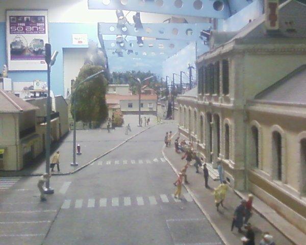 Photos de l'incendie en divers endroits du réseau
