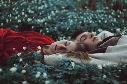 Ça devrait être interdit d'aimer quelqu'un aussi fort que je t'aime toi.