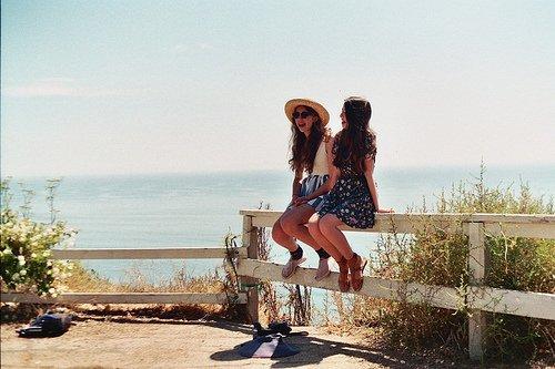 Ce qui rend les amitiés indissolubles et double leur charme est un sentiment qui manque à l'amour : la certitude.