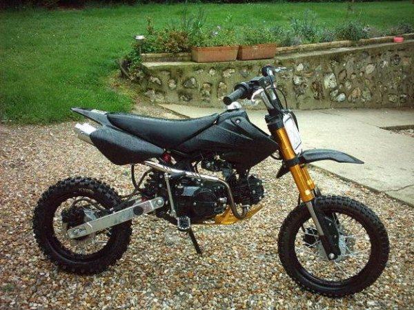 moto dirt bike 125cc blog de dylan10lastar. Black Bedroom Furniture Sets. Home Design Ideas