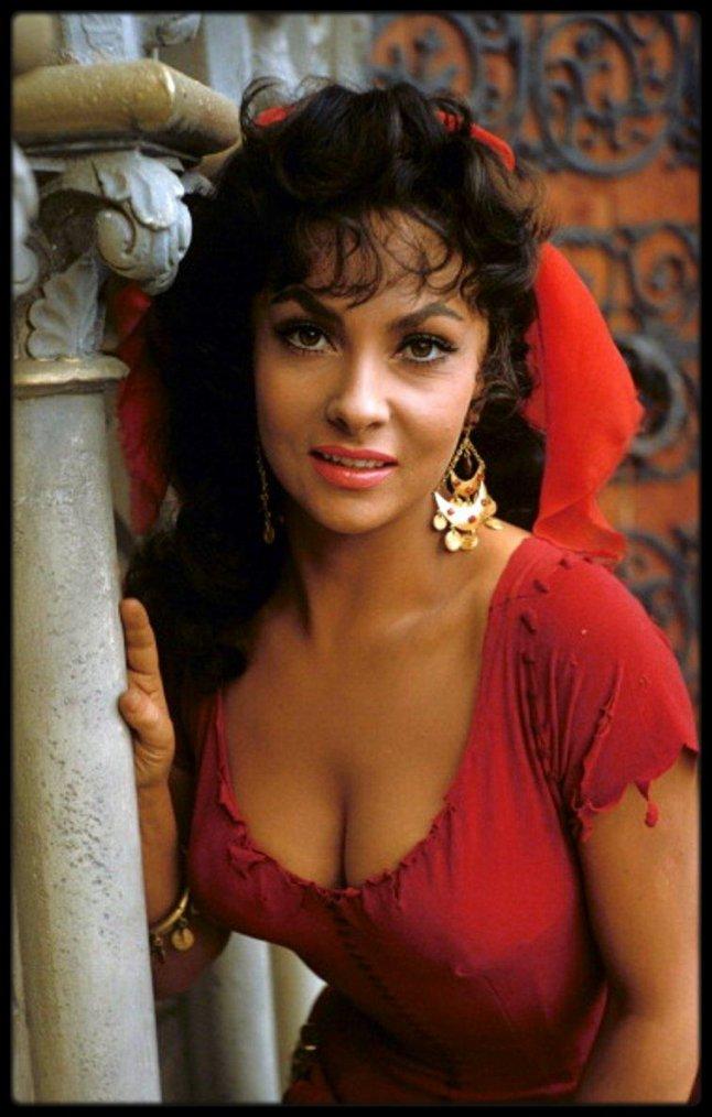 notre dame de paris age esmeralda