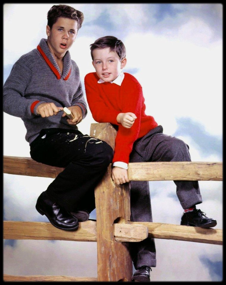 "(1962-1963) Tony DOW et Jerry MATHERS dans la sitcom ""Leave it to beaver""."