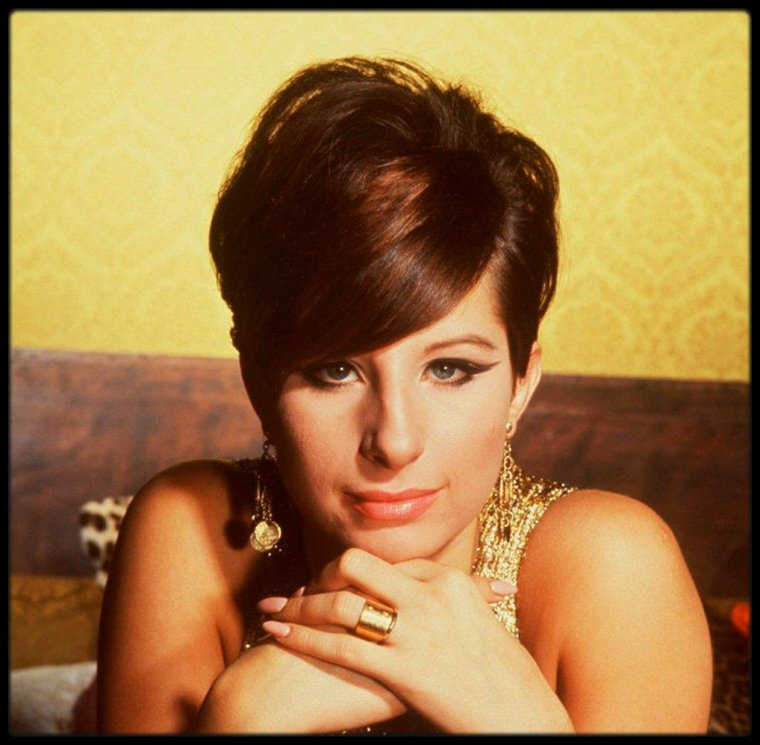 (1965) Beautiful Barbra STREISAND by Philippe HALSMAN
