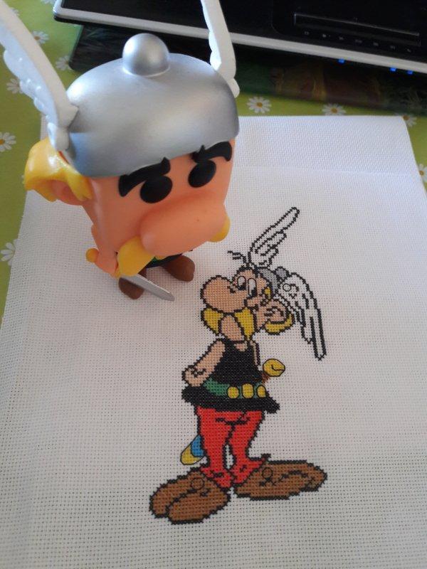 Asterix . Je l aime bien ^^