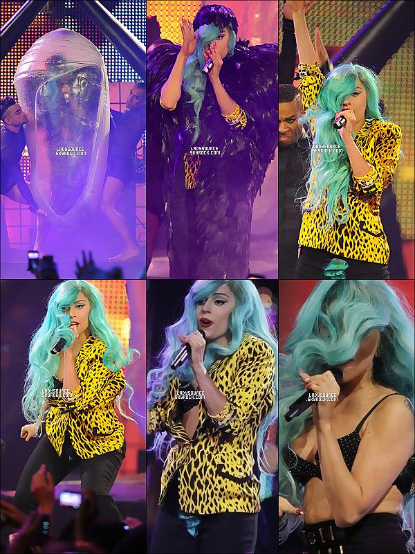 """* Lundi 20 juin 2011 : Notre GaGa très souriante et exciter s'est rendu aux """"MuchMusic Video Awards 2011"""". + Elle y a chanté """"The Edge of Glory"""", """"Born This Way"""" et """"Judas"""". Dans de belles  tenues et moins provocantes.  ~ Pour finir voici quelques vidéos : vidéo1 - vidéo2 - vidéo3 - vidéo4 - vidéo5. ~ *"""