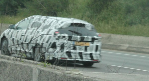 SPYSHOT: Honda Civic Tourer