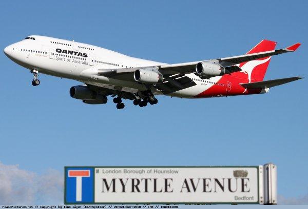 Qantas !!