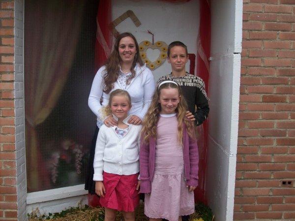moi avec mon frère et mes deux soeur